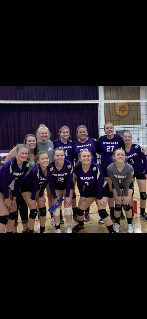 Wildcat Volleyball after their win over Kickapoo 8/29
