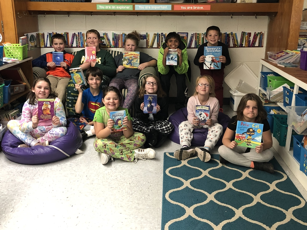 4th grade class with their October books
